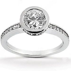 1.56 Ct. diamonds Solitaire ring with accents